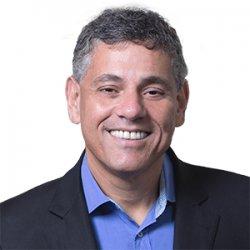 Prof. Renato Saraiva